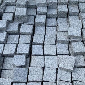 Silver granite 100 x 100 setts